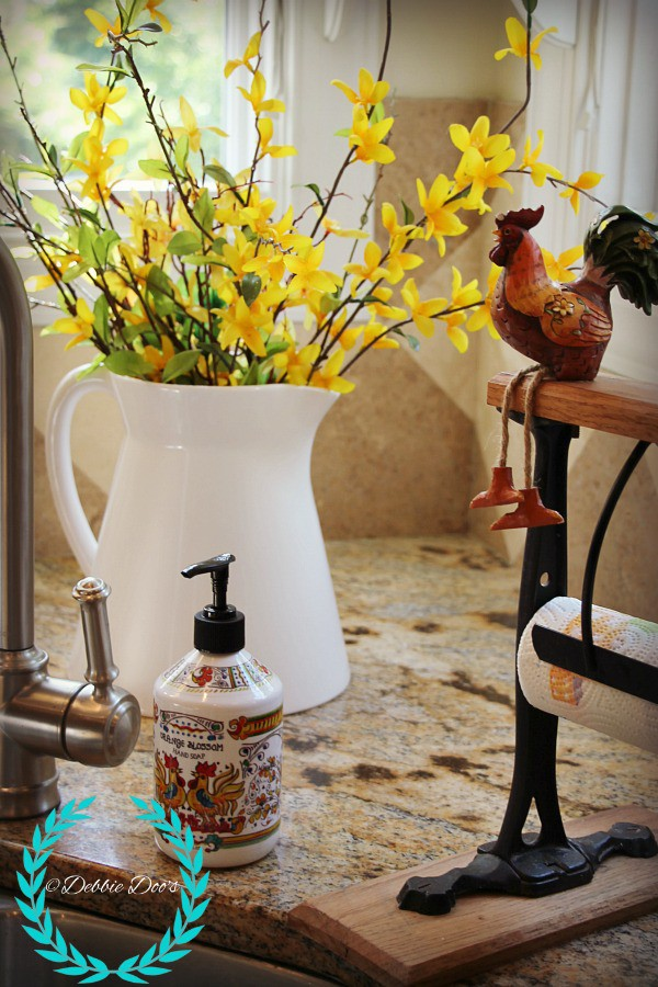 roosters in a french country kitchen