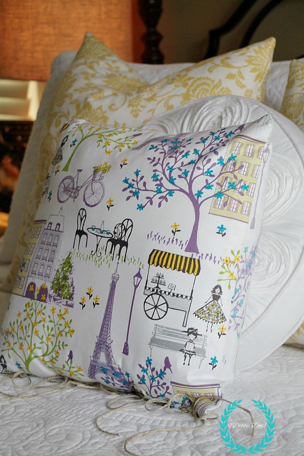French cafe no sew pillow