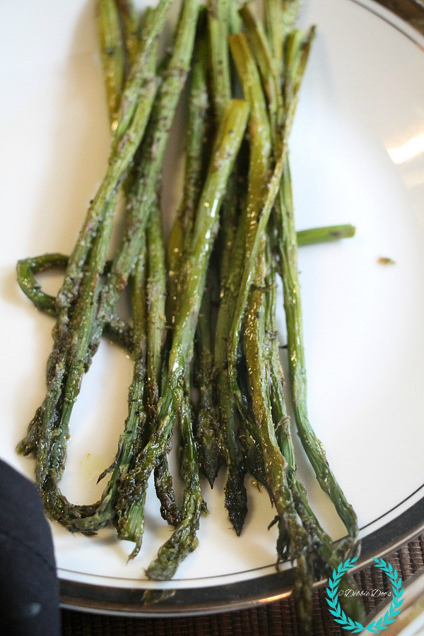 How to make roasted-garlic asparagus