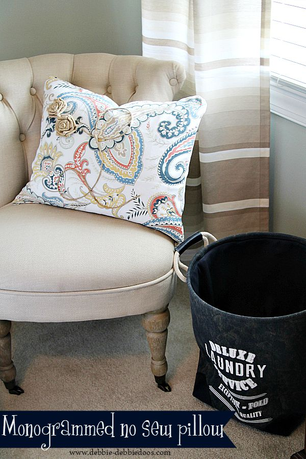 Monogrammed no sew pillow idea