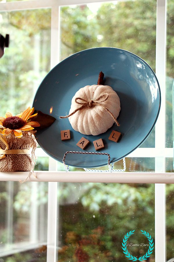 dollar tree pumpkin plate for fall