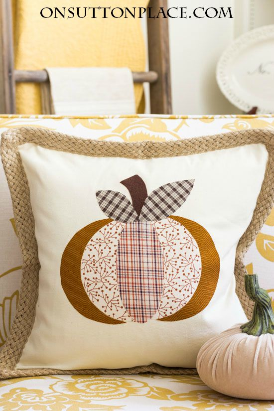 diy-no-sew-pumpkin-halloween-pillow-cover