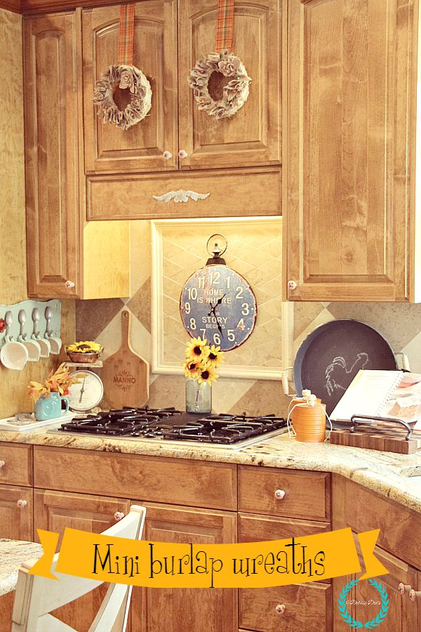 mini burlap natural wreaths in a country rustic kitchen