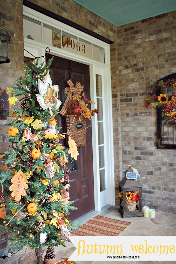 Autumn welcome on the porch decorating ideas