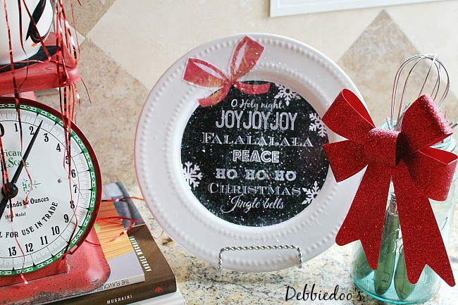 Dollar tree Christmas plate with free printable to diy your own