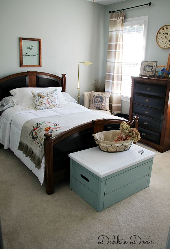 Unisex bedroom makeover