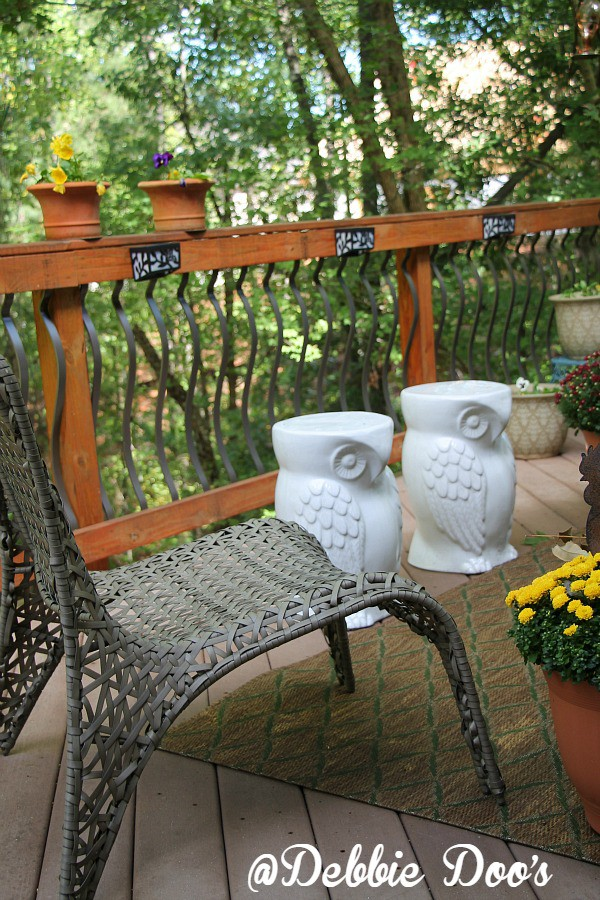 Ceramic owl table stools