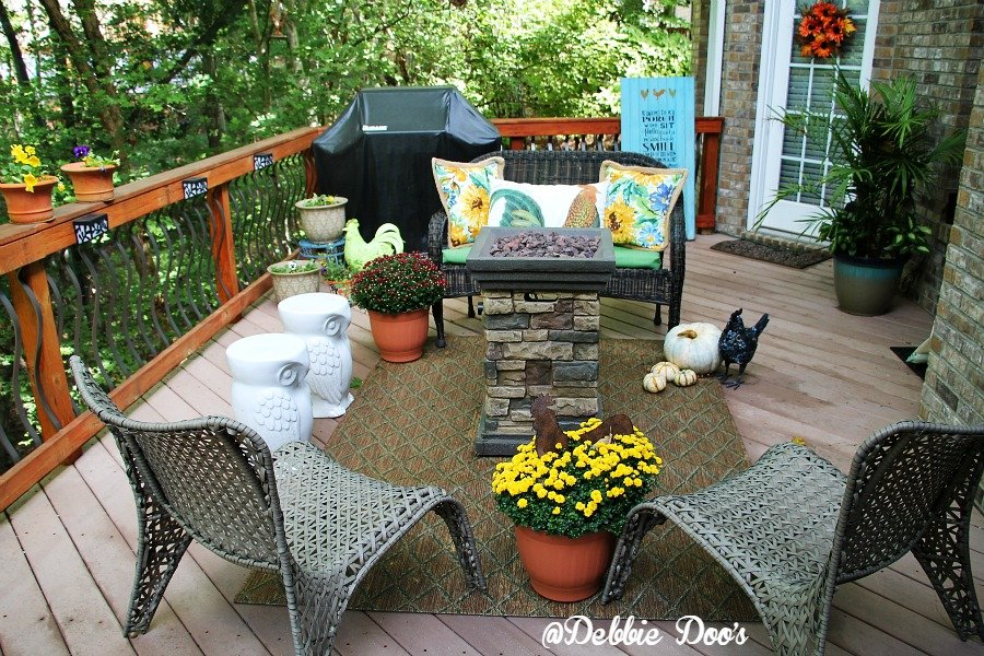 Creating a cozy conversational back deck