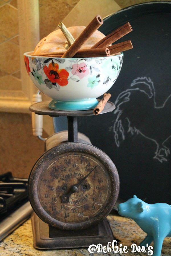 vintage scale and pioneer woman bowl and cow
