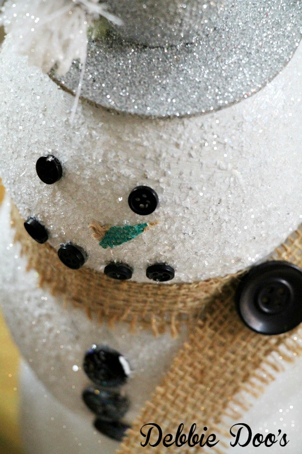 Dollar tree snowman craft with sparkle mod podge and diamond dust glitter by flora craft