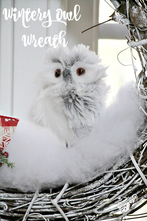 Wintery owl wreath