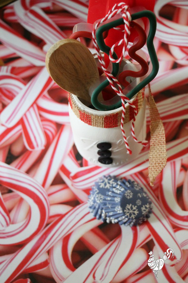 santa mason jar gift giving idea