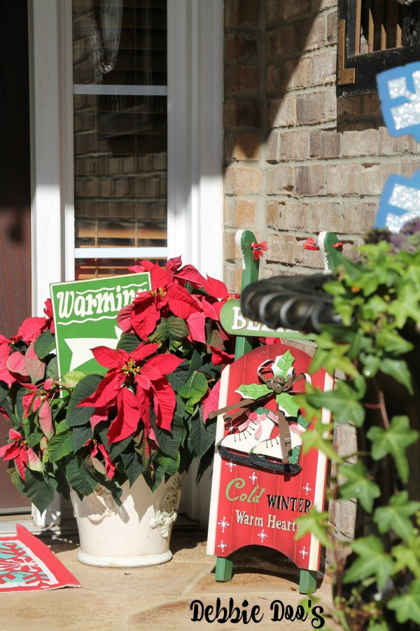 Fun festive Christmas on the porch decorating ideas