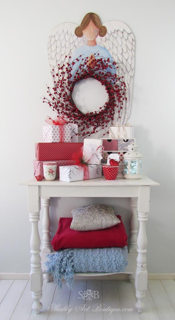 Cottage bedroom Christmas bedroom in reds and blue