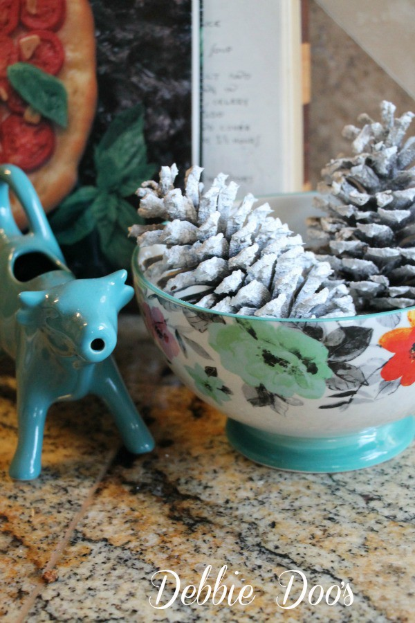 Diy snowy pinecones