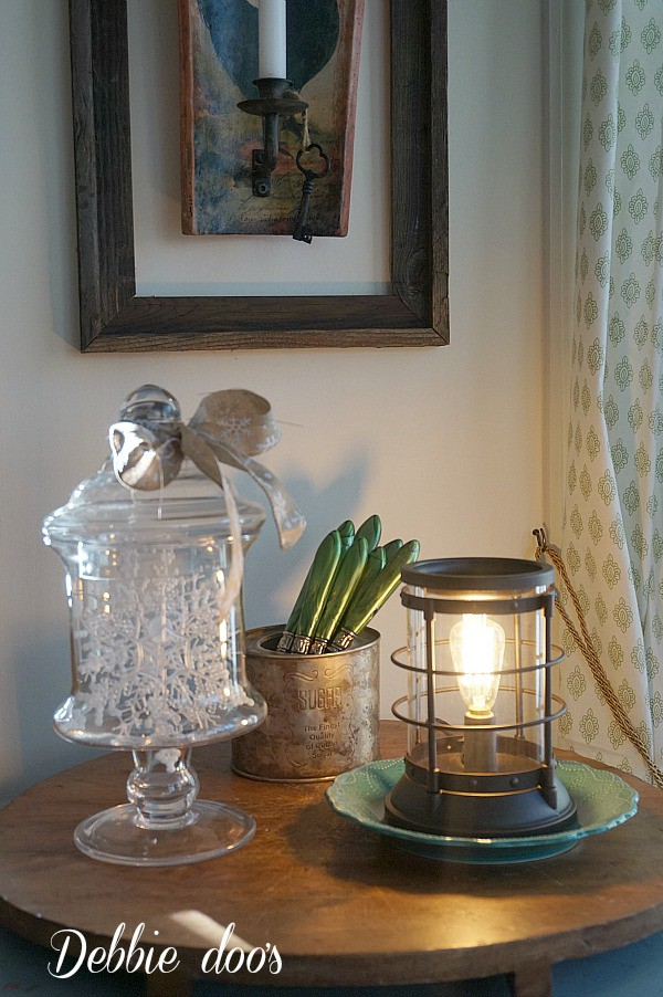 Winter kitchen decorating ideas. Edison scentsational burner