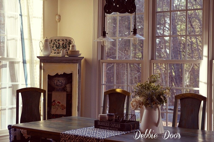 Winter kitchen dinette decor