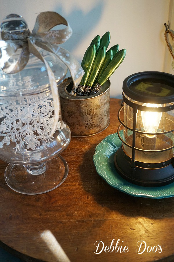 Winter kitchen vignettes