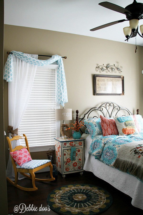 Bedroom makeover with crafty thrifty ideas