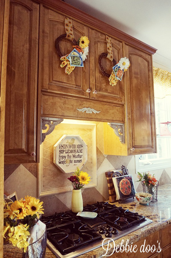 Budget friendly Spring decorating in the kitchen