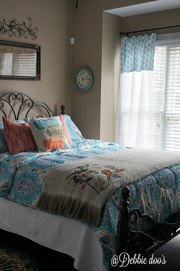 Guest room fluffing for Spring and Summer