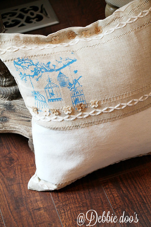 DIY Spring pillow