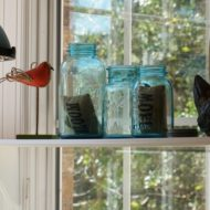How to seasonally decorate your kitchen on a budget
