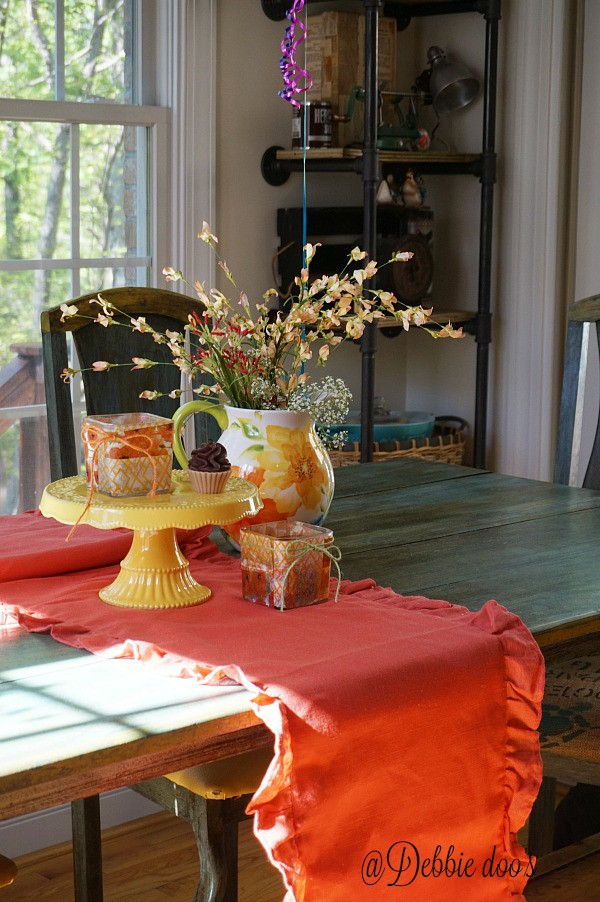 Pretty spring and summer decorating ideas in the kitchen