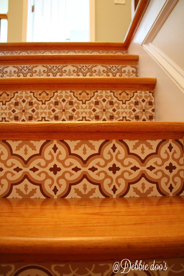 Snazzy designs stair riser border