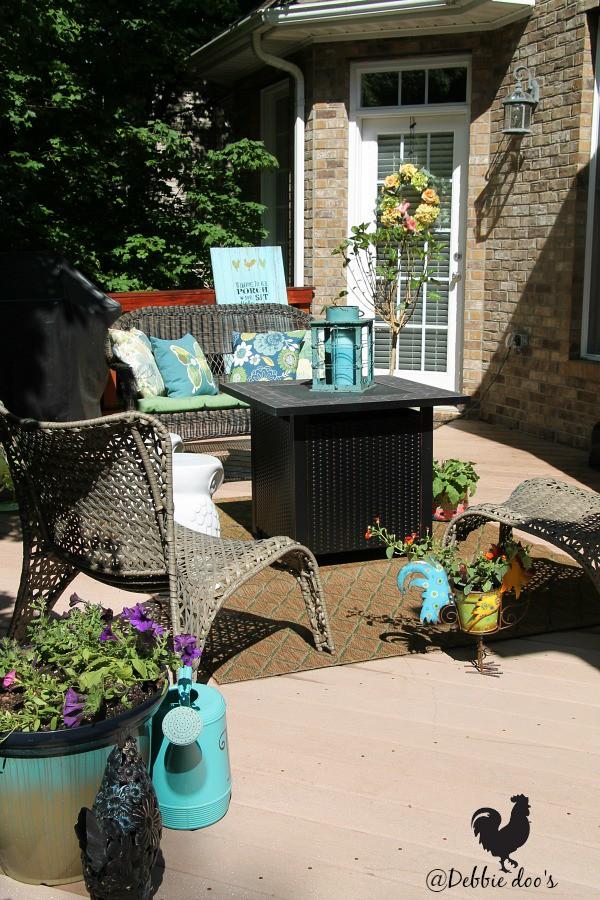 Simple summer outdoor decorating ideas - Debbiedoos