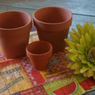 Mini terra cotta pots table top party decor idea