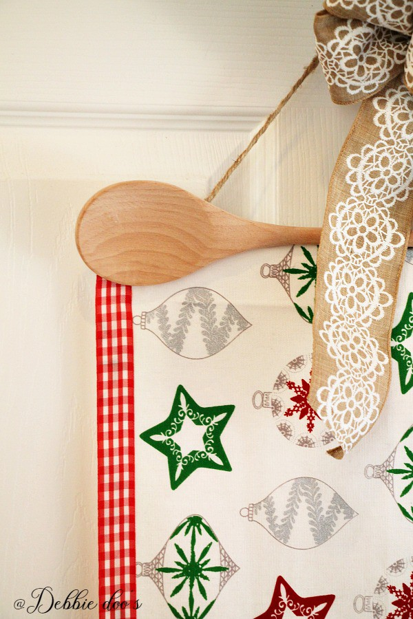 DIY wall hanger for kitchen