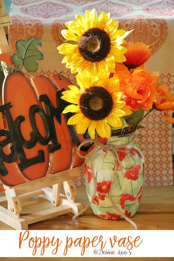 Poppy paper vase