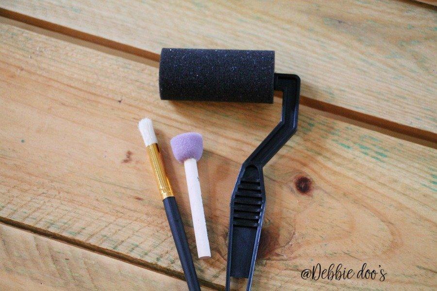 Stencil sponge roller dabber and brush