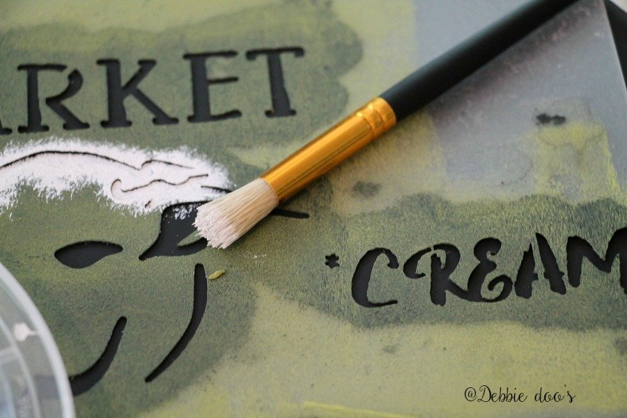 how to stencil with a small stencil brush
