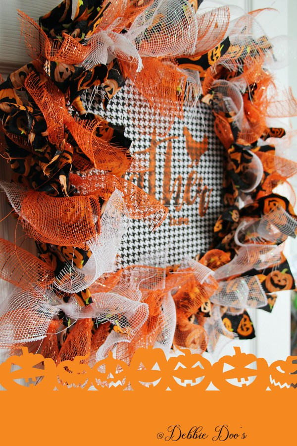 diy-halloween-wire-form-wreath-idea-so-easy-so-cute-you-will-want-to-make-one-today