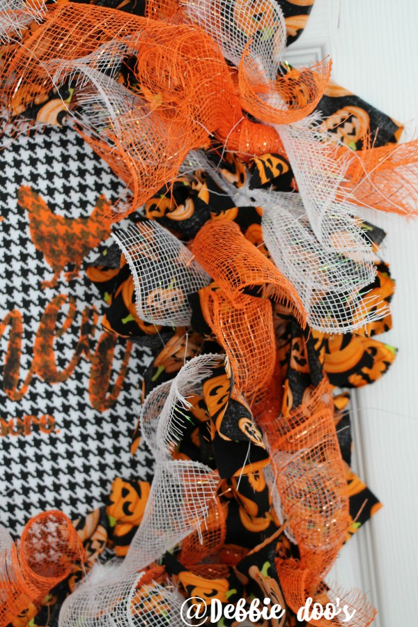 how-to-make-a-fall-and-halloween-wreath-using-a-wire-wreath-form