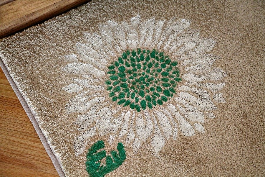 painted-remnant-rug-with-stencils-by-debbiedoos