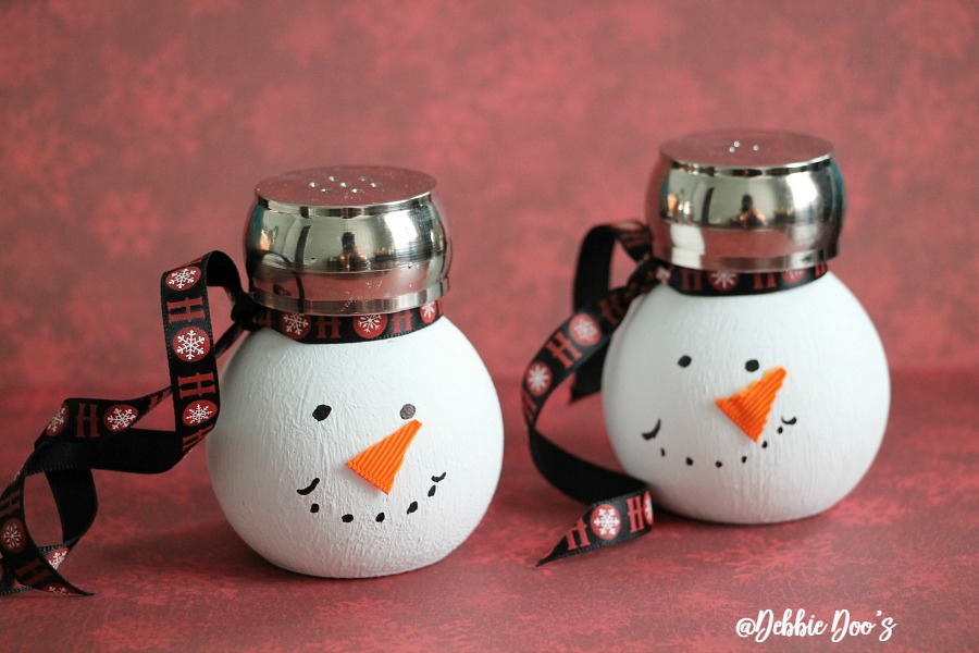 snowmen-salt-and-pepper-diy-shakers-with-mainstays
