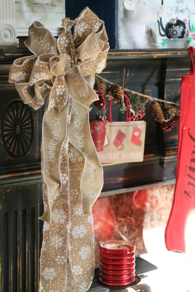 burlap-bows-for-the-mantel