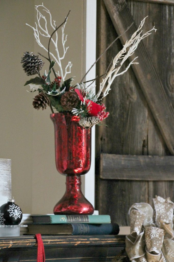 how-to-decorate-your-mantel-for-christmas-ideas