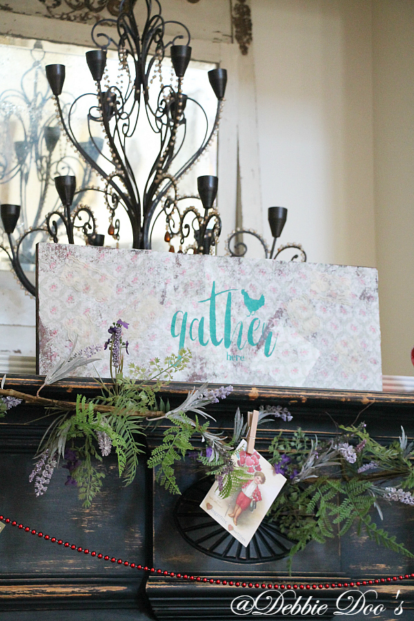How to make your own rustic sign with napkins, mod podge and stencils