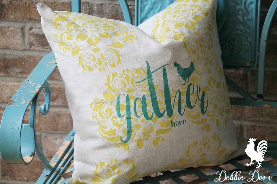 How to stencil on a pillow