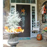 Rustic fall porch decorating