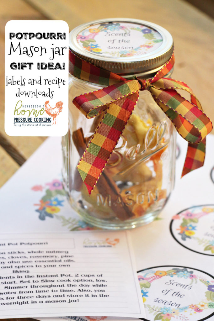 DIY Christmas Gifts: Christmas Potpourri in a jar