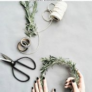 20+ DIY Holiday and Winter wreath ideas