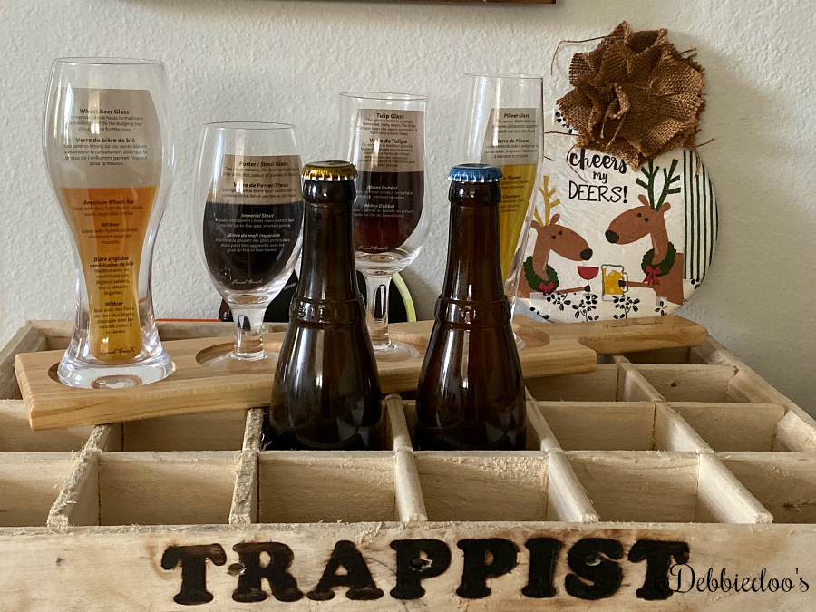 DIY Christmas sign and Trappist beer crate