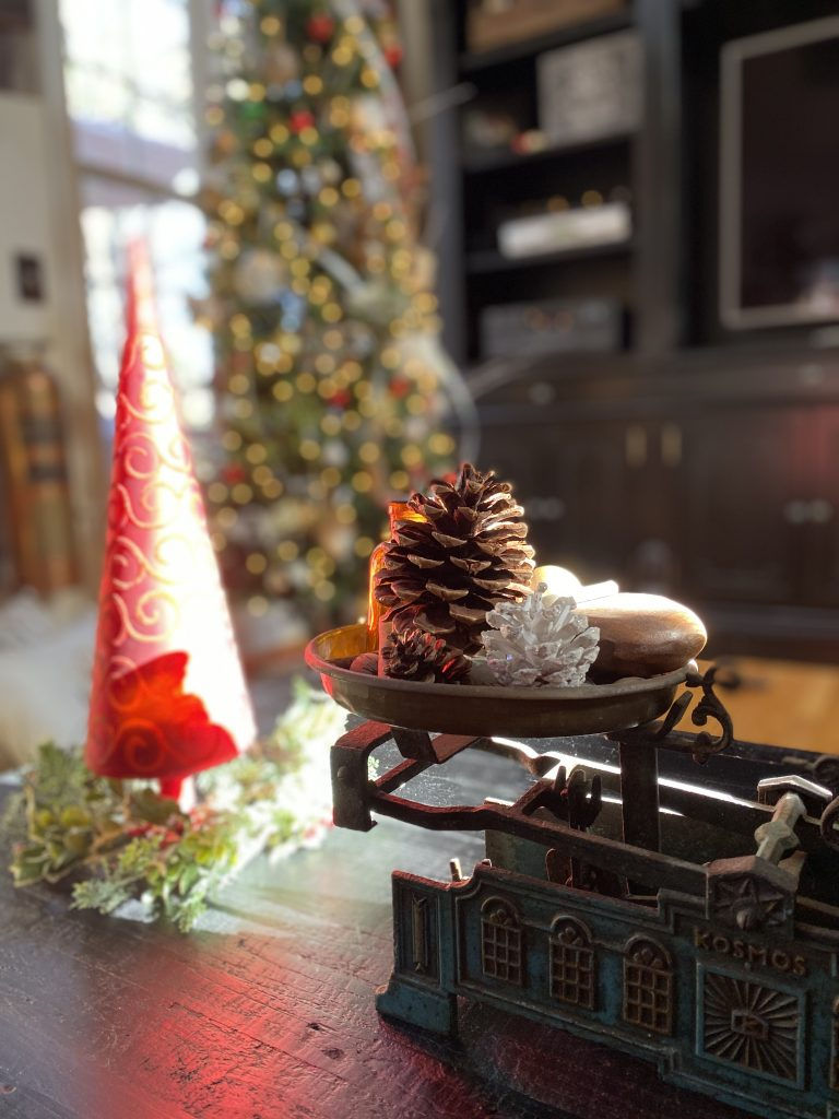 Christmas decorating with Vintage decor