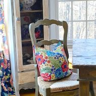 No sew napkin pillow with pioneer woman napkins